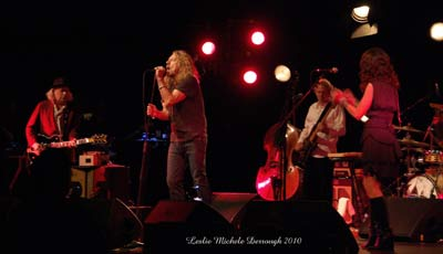 Robert Plant at Mobile's Saenger Theatre (courtesy of glidemagazine.com)