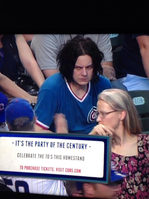 pic by @AndrewCiesak - Jack White at Cubs Game